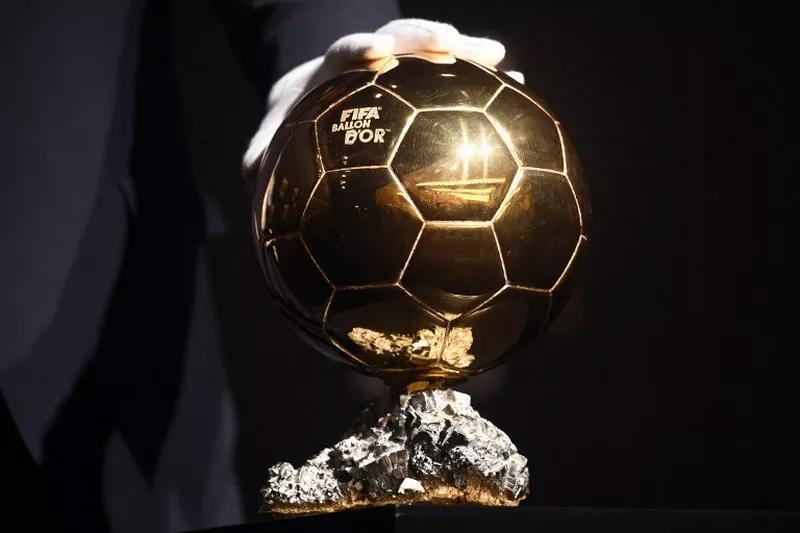Trofi Ballon d'Or.