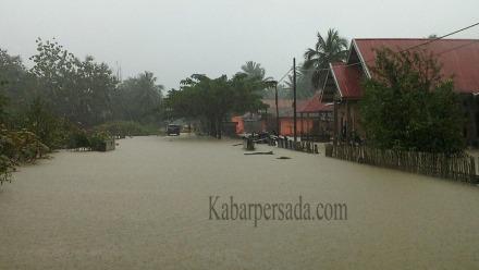 Banjir yang terjadi di Kecamatan Kusambi yang merendam Rumah warga